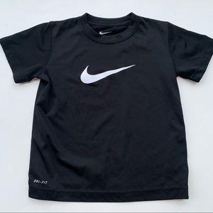Nike kids boys toddler 6 black short sleeve shirt